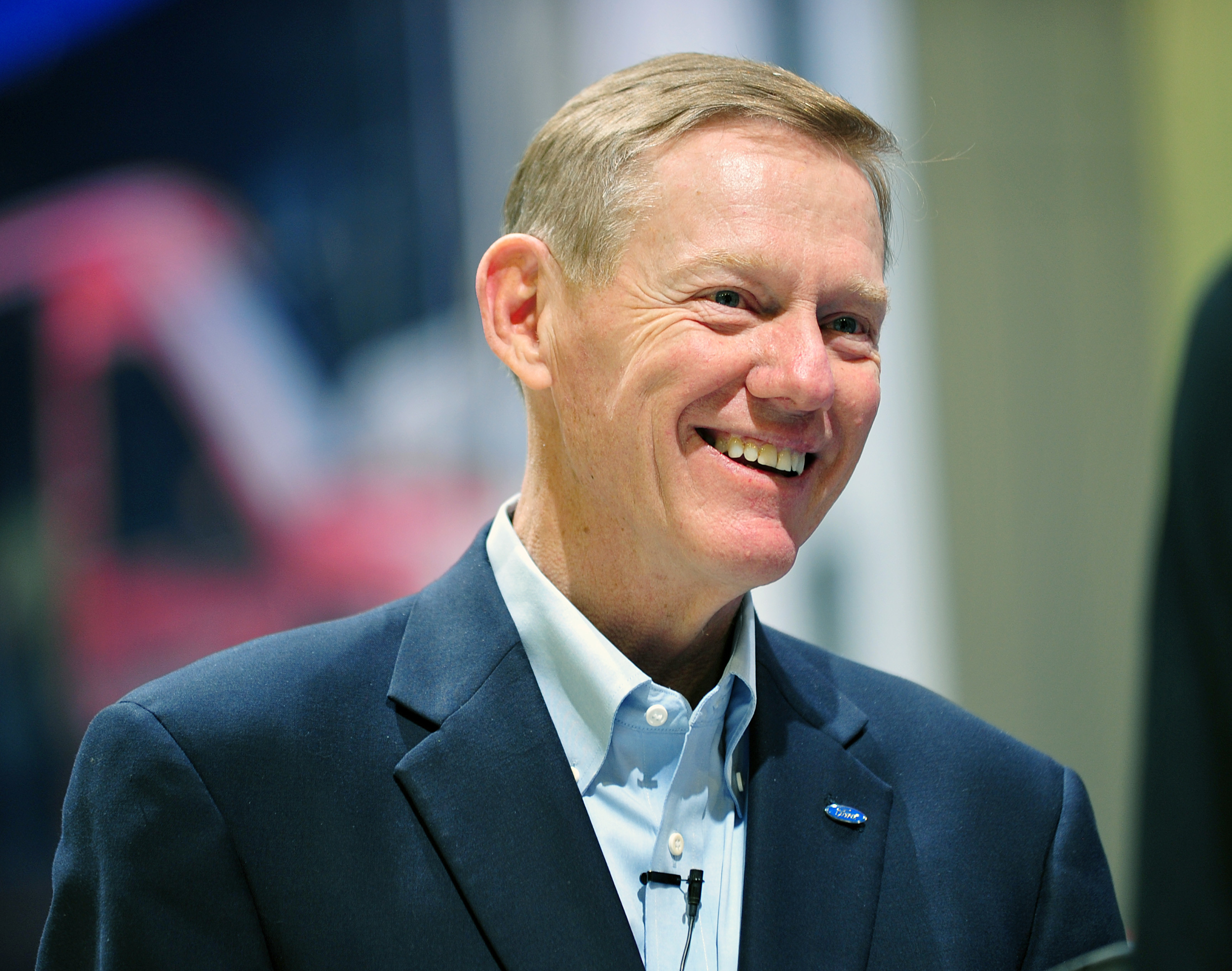 Cc book review american icon alan mulally and the fight for Ford motor company alan mulally