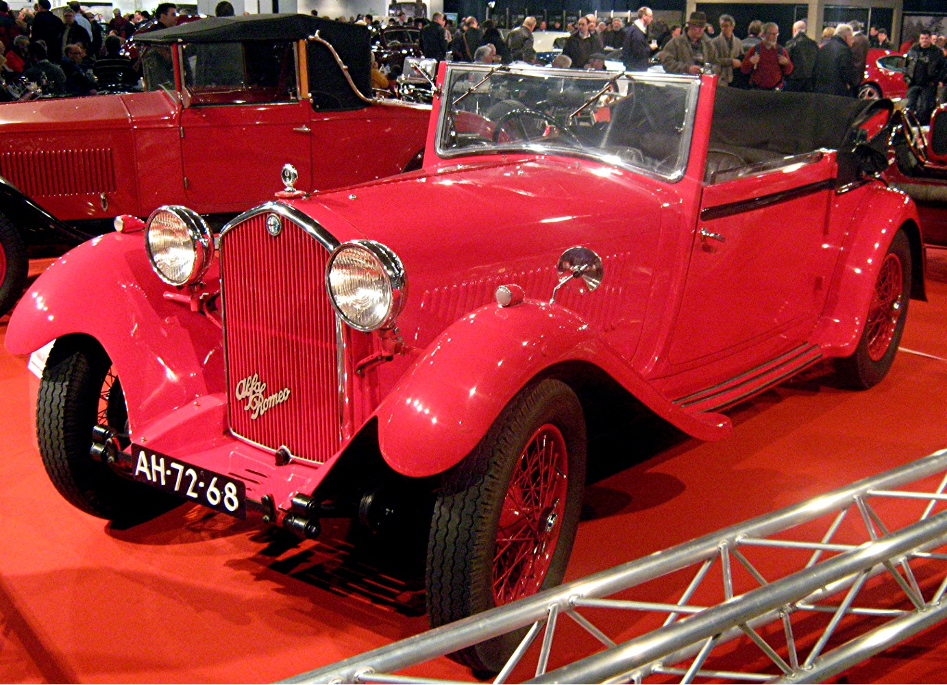 http://upload.wikimedia.org/wikipedia/commons/4/4a/Alfa_Romeo_6C_1900_red.jpg