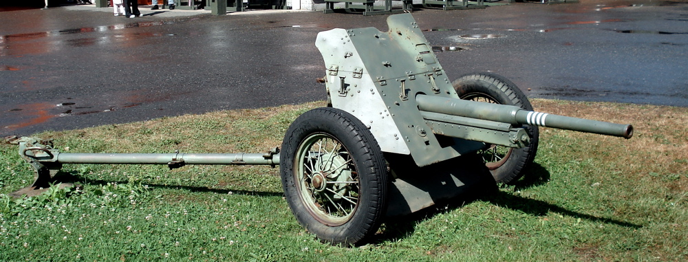 Anti-tank_gun_45mm_m1937_parola_1.jpg