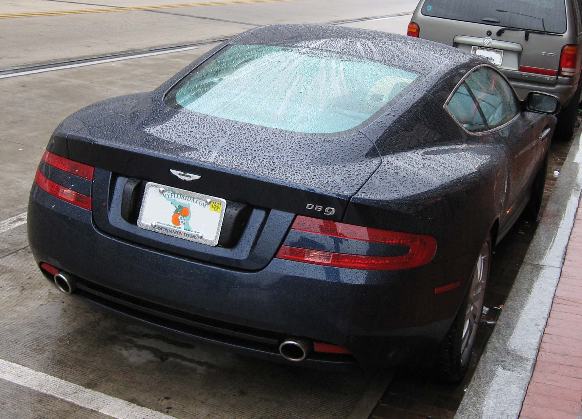 File Aston Martin Db9 Rear Jpg Wikimedia Commons