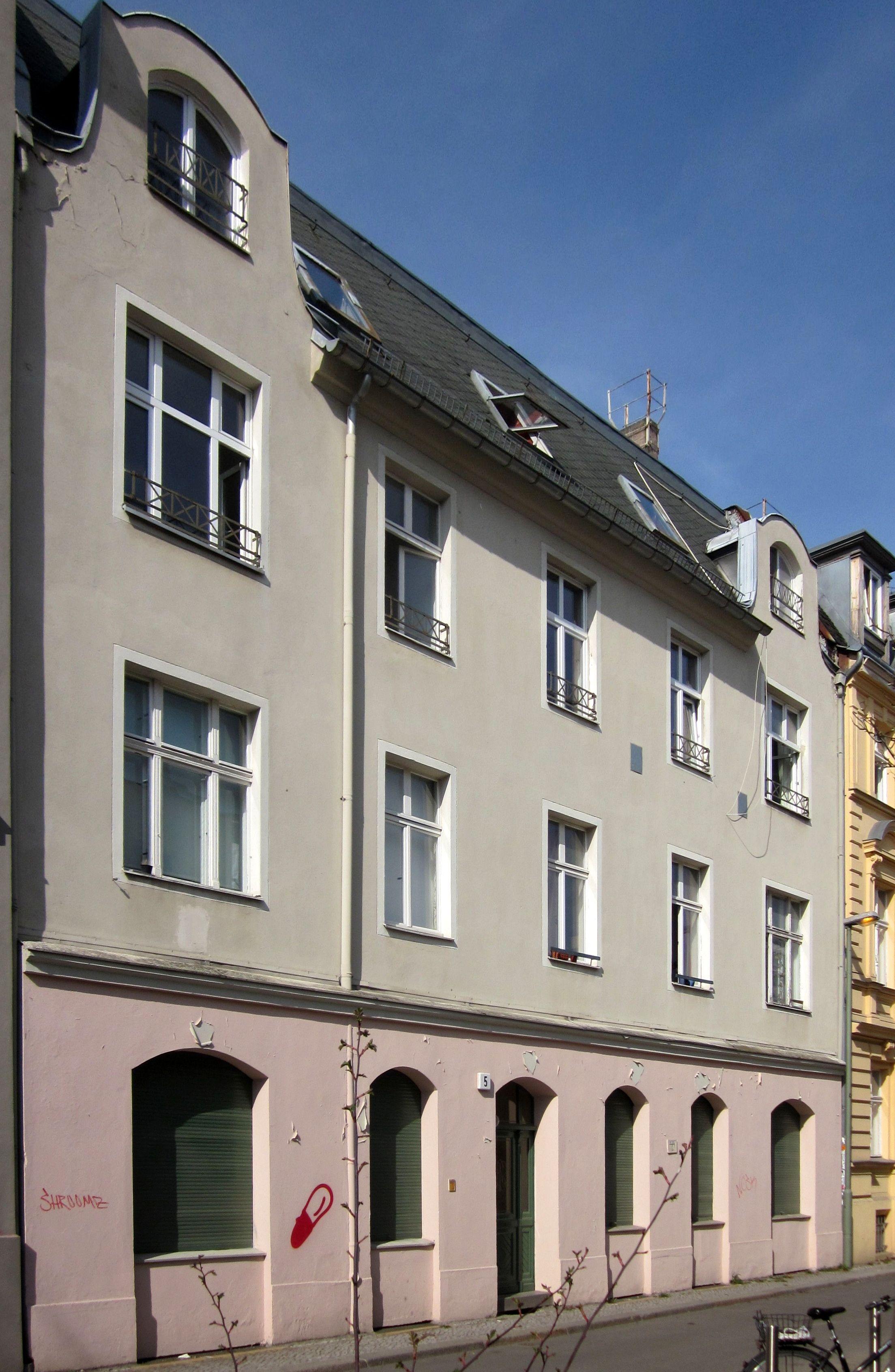 file berlin mitte kleine auguststrasse 5 wikimedia commons. Black Bedroom Furniture Sets. Home Design Ideas