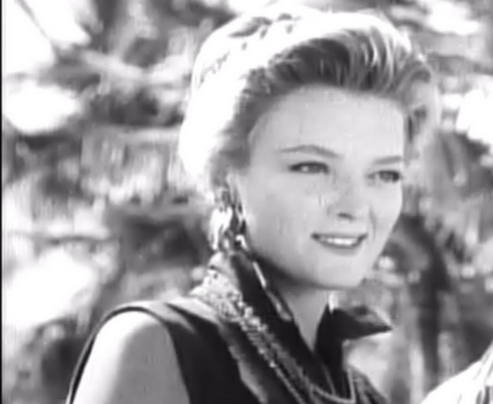 Betsy Jones-Moreland httpsuploadwikimediaorgwikipediacommons44