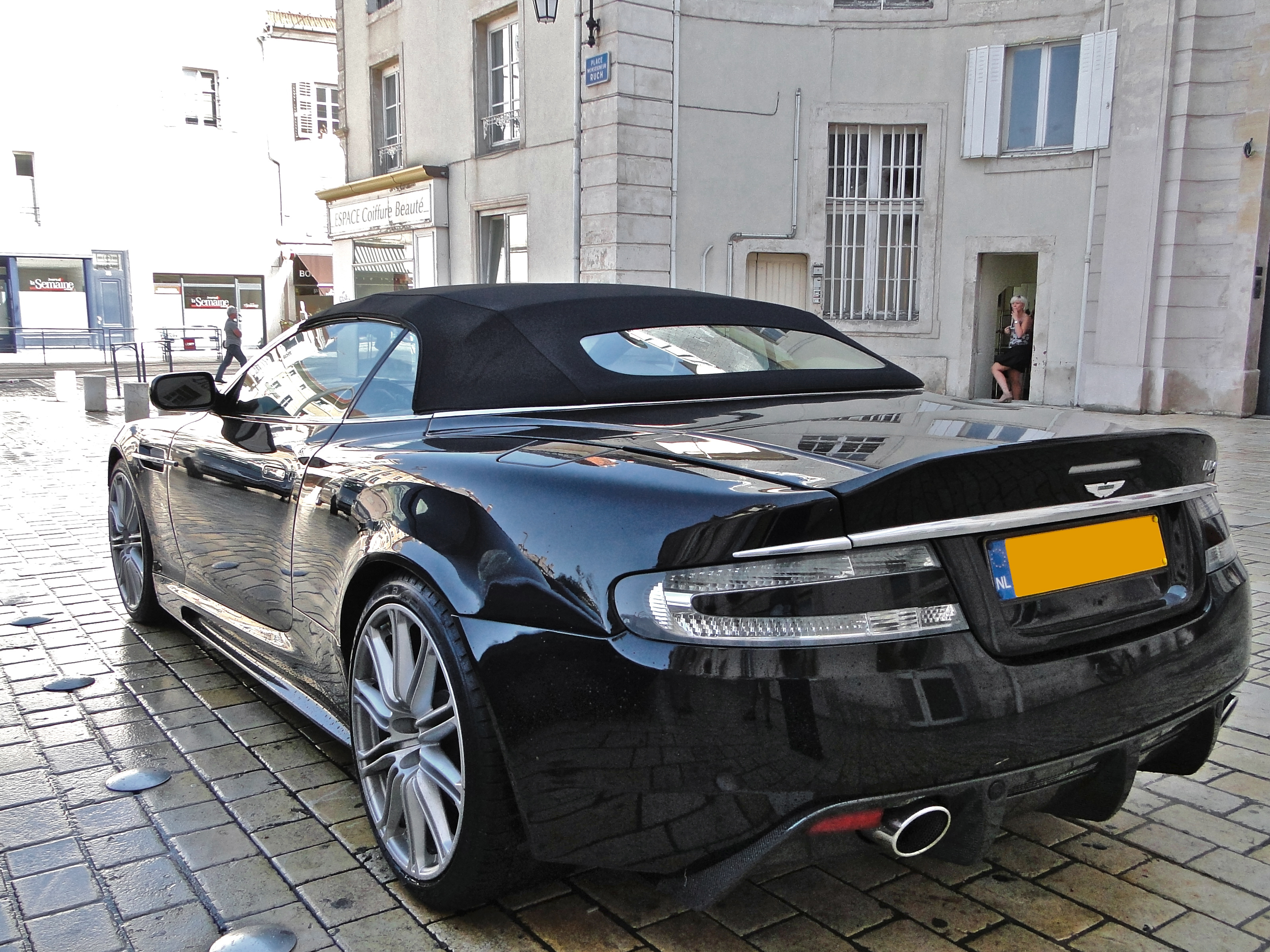 File Black Aston Martin Dbs Volante In Nancy Jpg Wikimedia Commons
