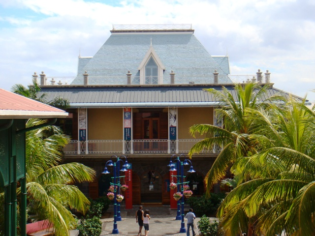 What to do in the Island of Mauritus? visit the Blue Penny Museum.