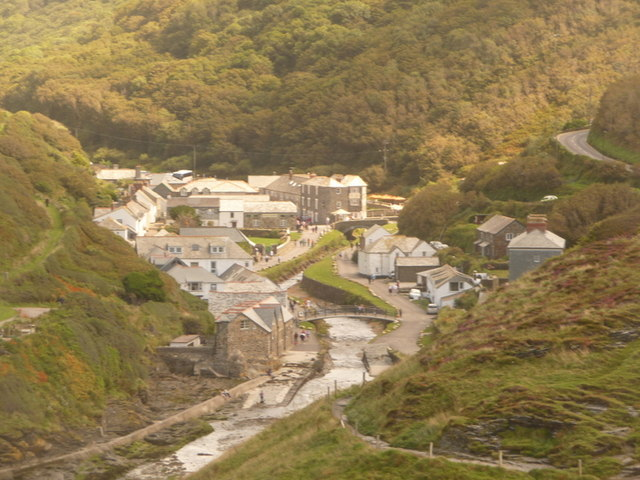 File:Boscastle, the village from Penally Point - geograph.org.uk - 1466309.jpg