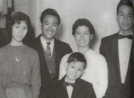 File:Bruce Lee in 1945 in Hongkong.jpg