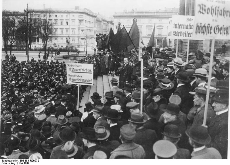 File:Bundesarchiv Bild 183-R20972, Berlin, Maifeier, Philipp Scheidemann spricht.jpg