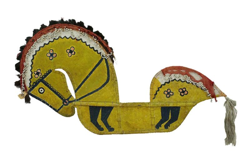 File:COLLECTIE TROPENMUSEUM Stokpaard van gevlochten