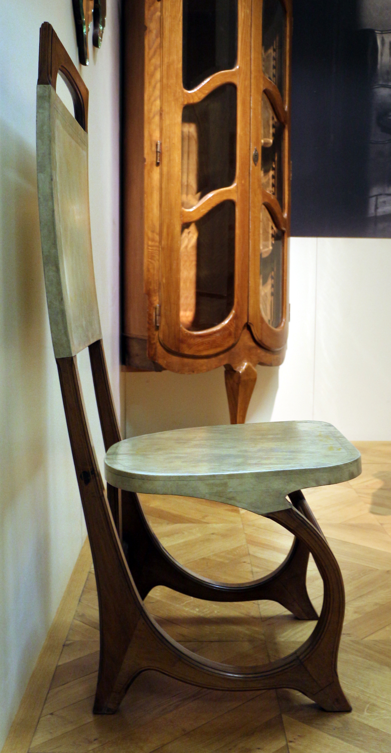 File carlo bugatti coppia di sedie da sala da pranzo 1904 10 ca 01 jpg wikimedia commons - Sedie da sala da pranzo ...