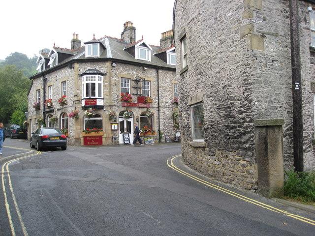 Castleton - Ye Olde Nag's Head Hotel - geograph.org.uk - 942514