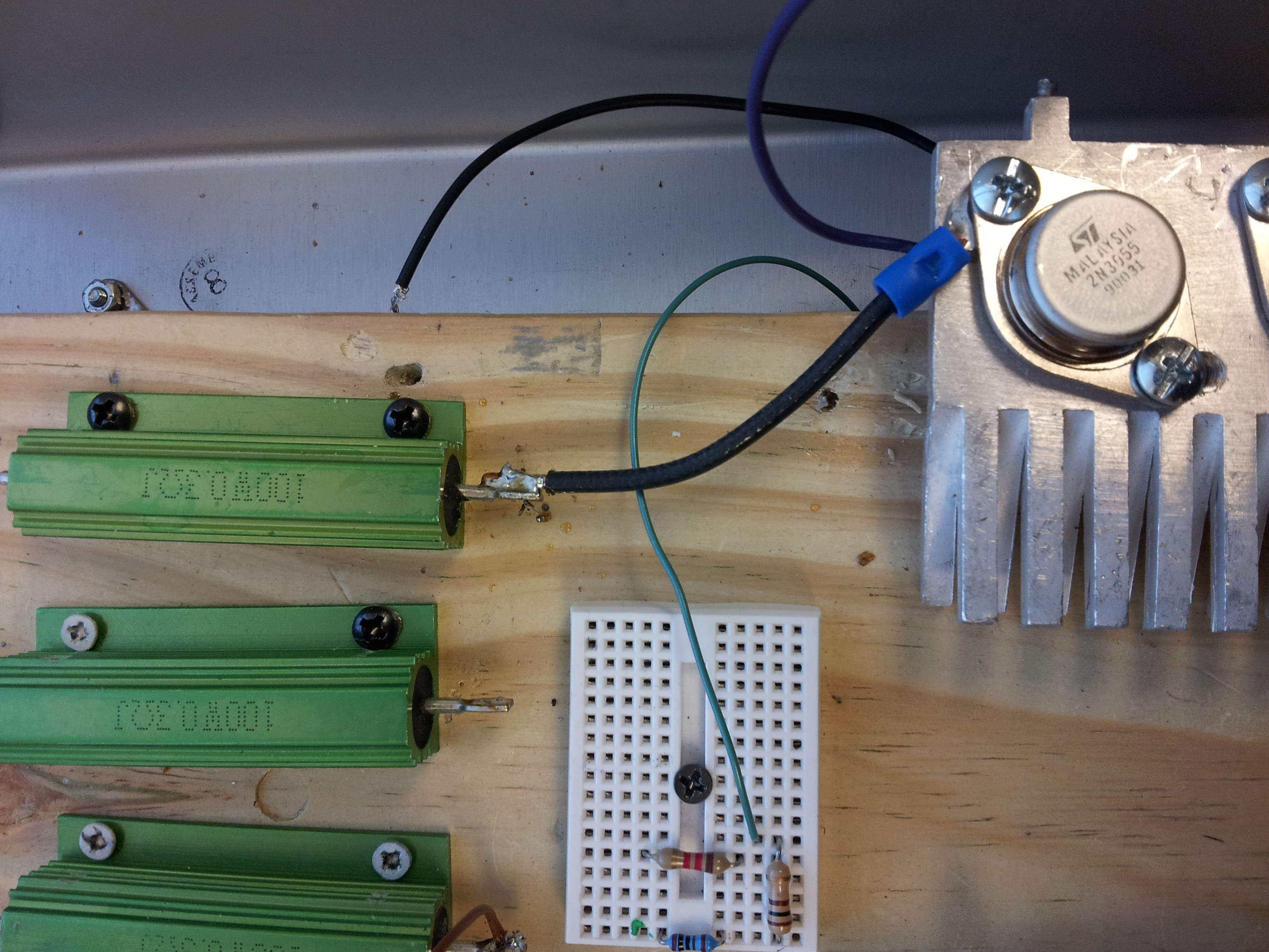 File:Connect resister to transistor by 12 gauge solid wire(bottom ...