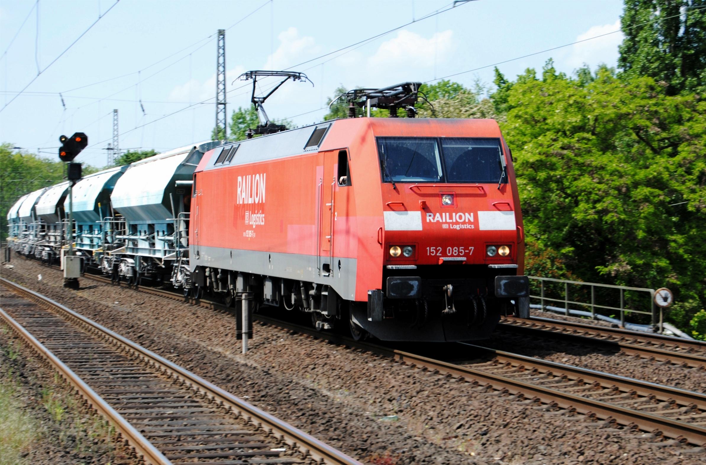 DBAG_Class_152_Bahnhof_Rumeln_I.jpg