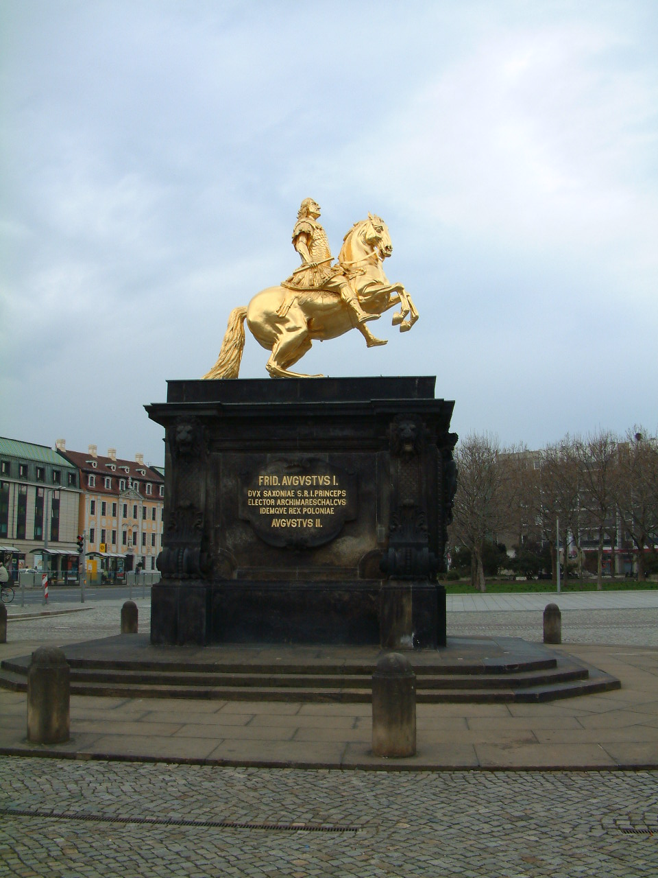 Der Goldene Reiter Dresden File:dresden.goldener-reiter