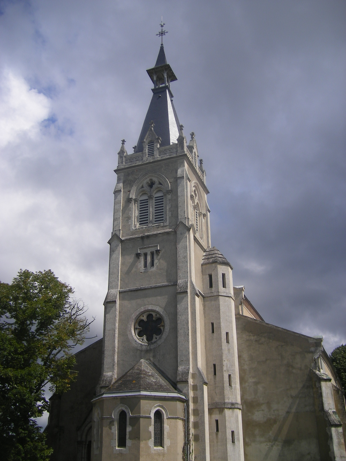 Saint Julien Dans Le  Ville