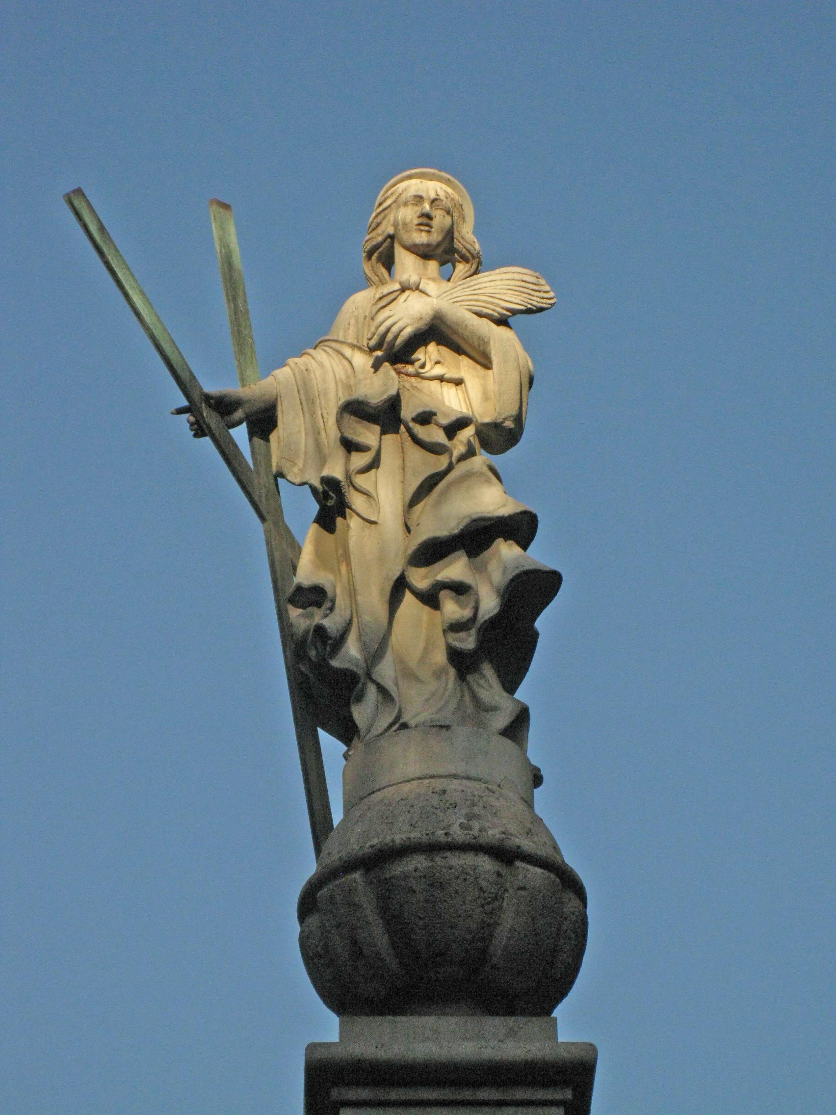 Font de Santa Eulàlia, plaça Pedró.jpg