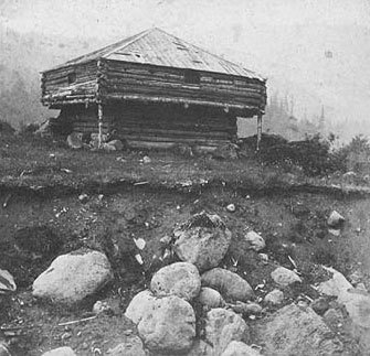Ein US-amerikanisches blockhouse aus dem 19. Jh. - Foto via Wikimedia Commons