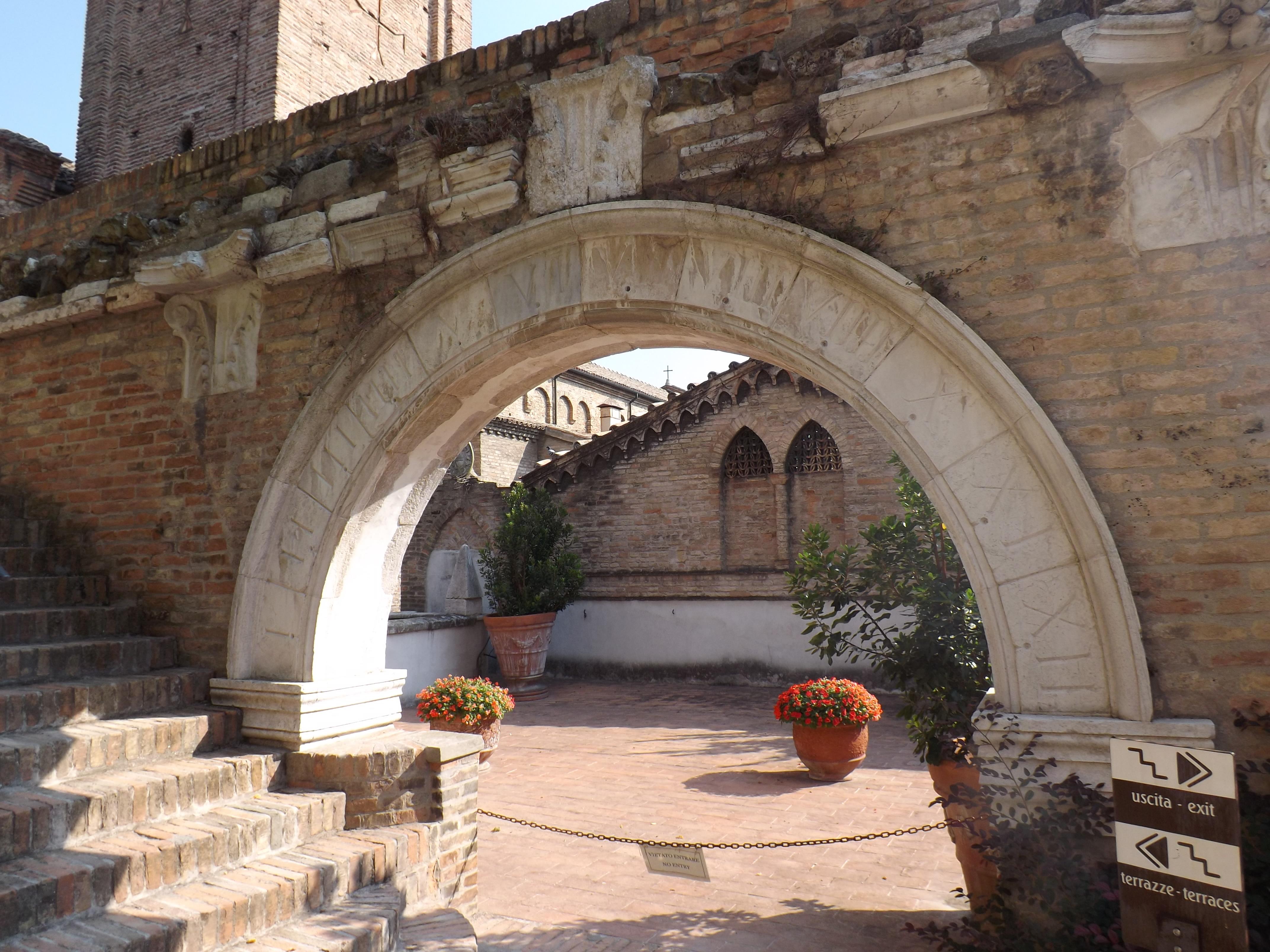 File Giardini Pensili Arco Jpg Wikimedia Commons