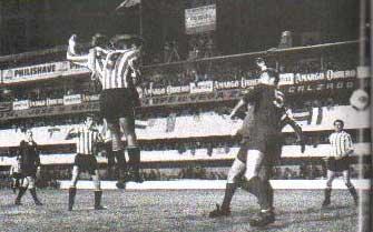 Conigliaro marca el 1-0 en La Bombonera