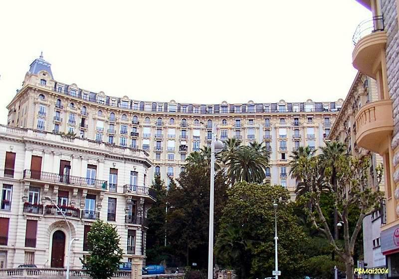 File grand palais nice wikimedia commons for Architecte grand palais