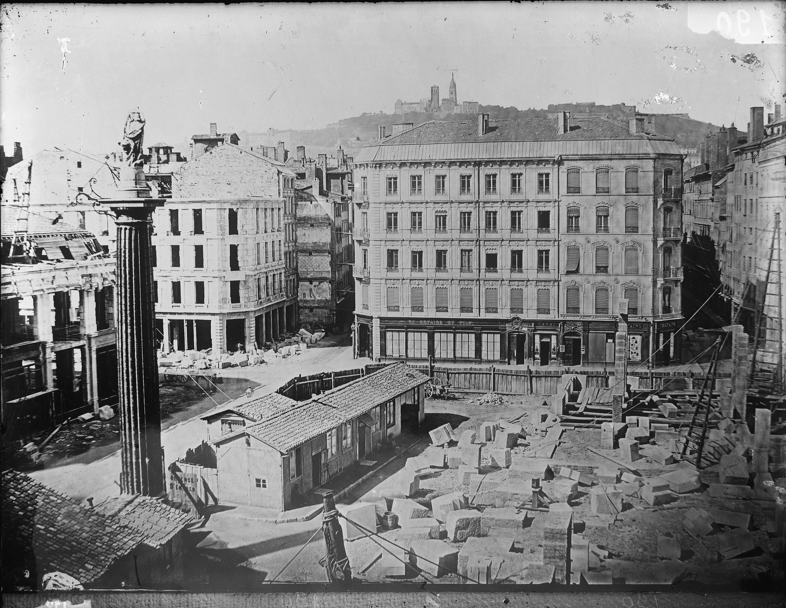 File grands travaux d 39 urbanisme du second empire for Chambre de commerce marseille rue sainte victoire