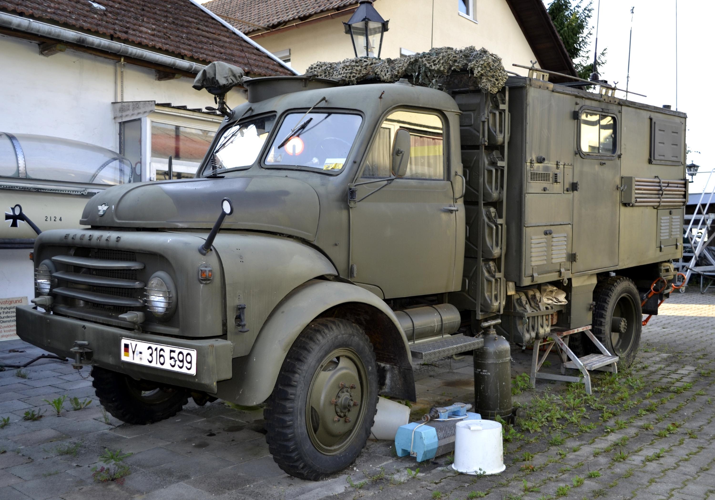 camion definizione Hanomag_LKW_der_Bundeswehr