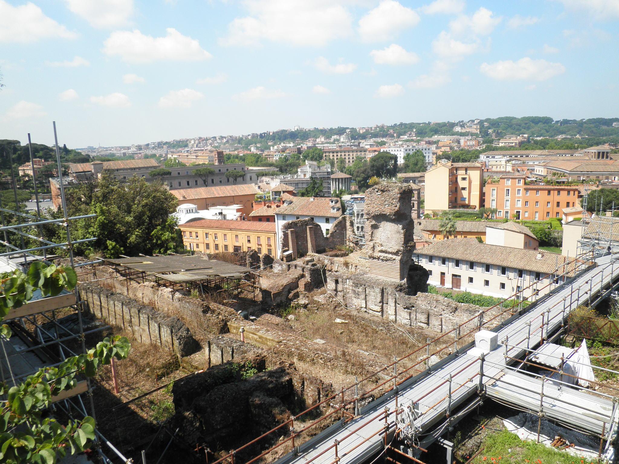 File:Horrea e rione di s Teodoro dalla terrazza farnesiana 5180121 ...