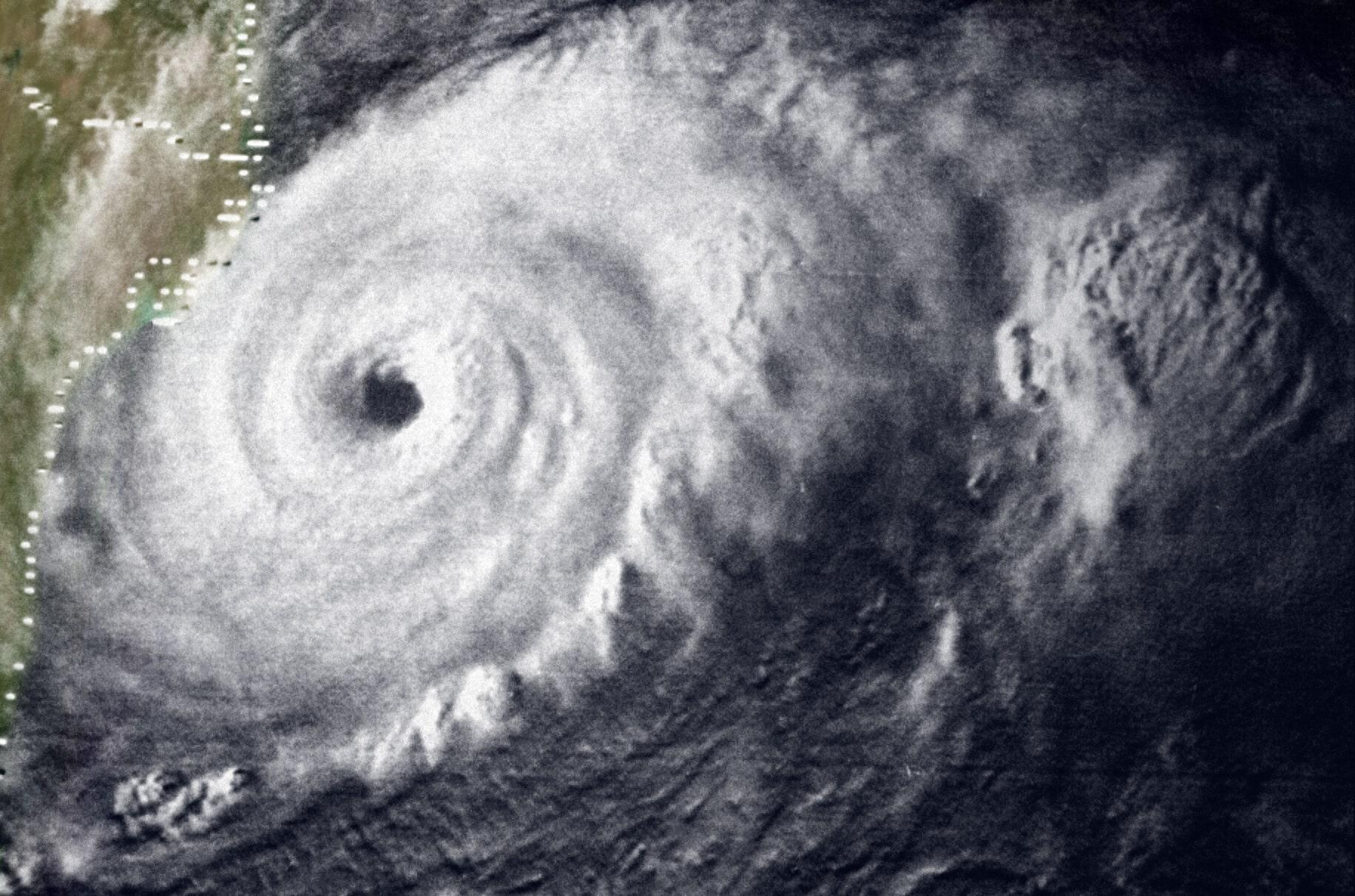 Natural Disasters Hurricanes A Reference Handbook Pdf