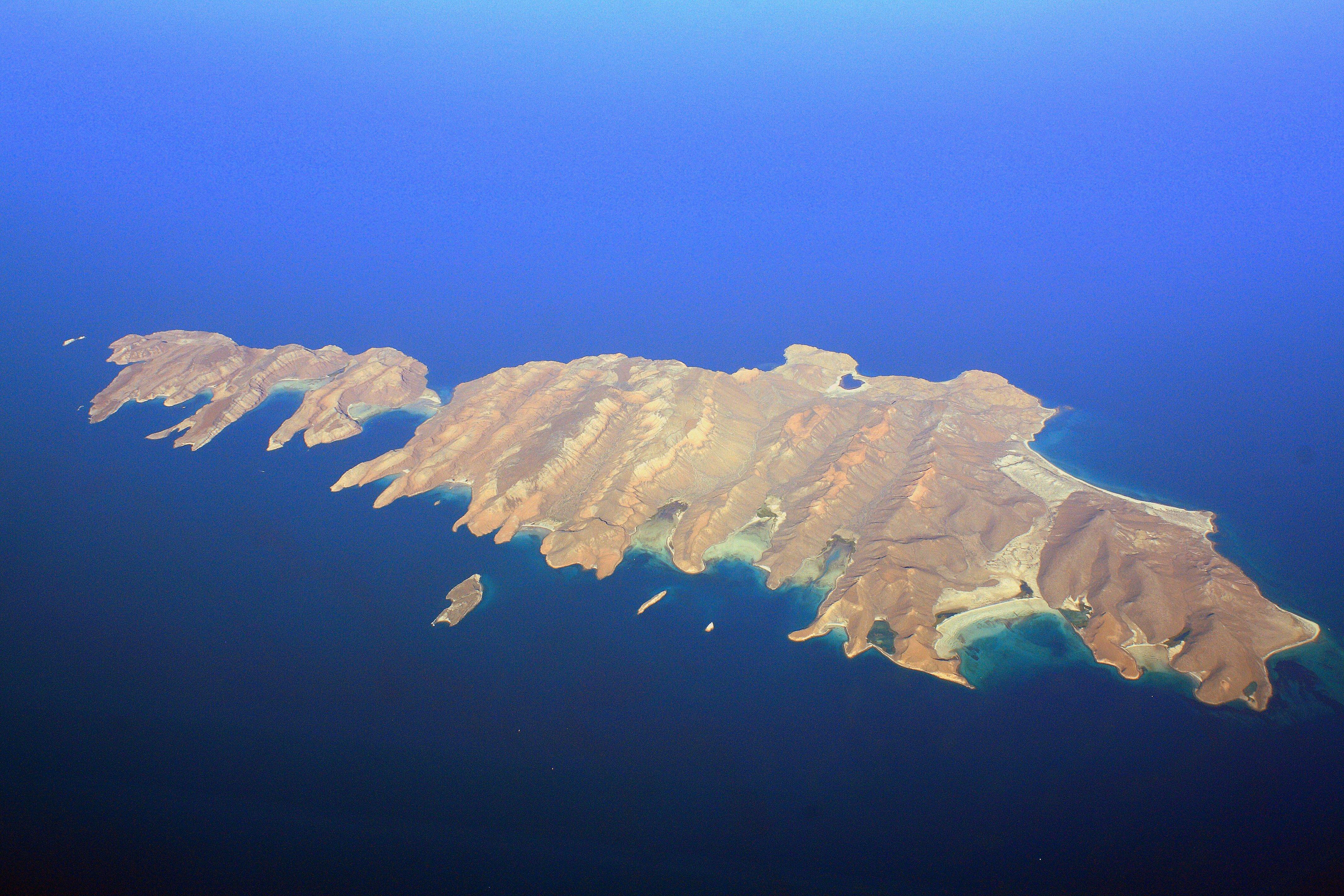 Archivo:Isla Espíritu Santo and Isla Partida (5378264191).jpg - Wikipedia,  la enciclopedia libre