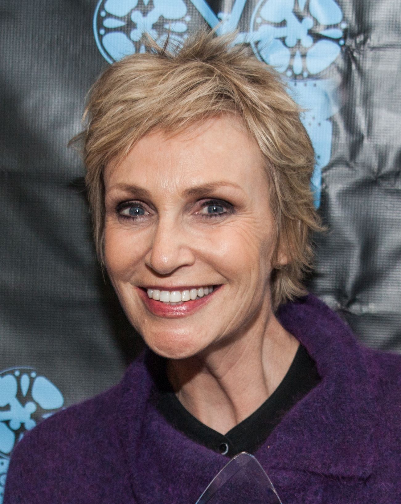 The 58-year old daughter of father Frank Lynch and mother Eileen Lynch Jane Lynch in 2018 photo. Jane Lynch earned a  million dollar salary - leaving the net worth at 10 million in 2018