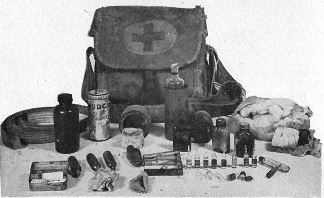 File:Japanese World War II first aid kit.jpg