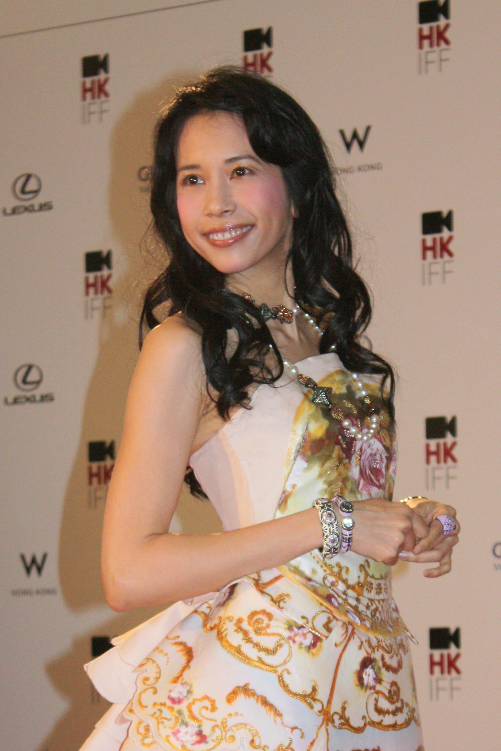 KAREN MOK - Wikipedia, the free encyclopedia