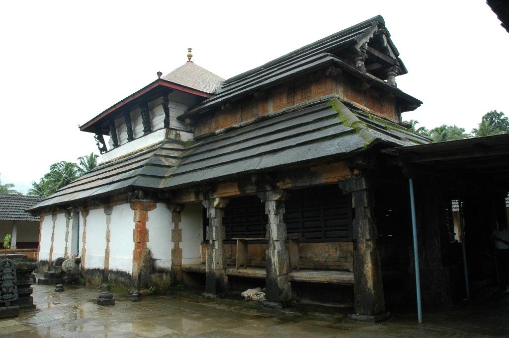 Karkala anathapadmanabha temple.jpg