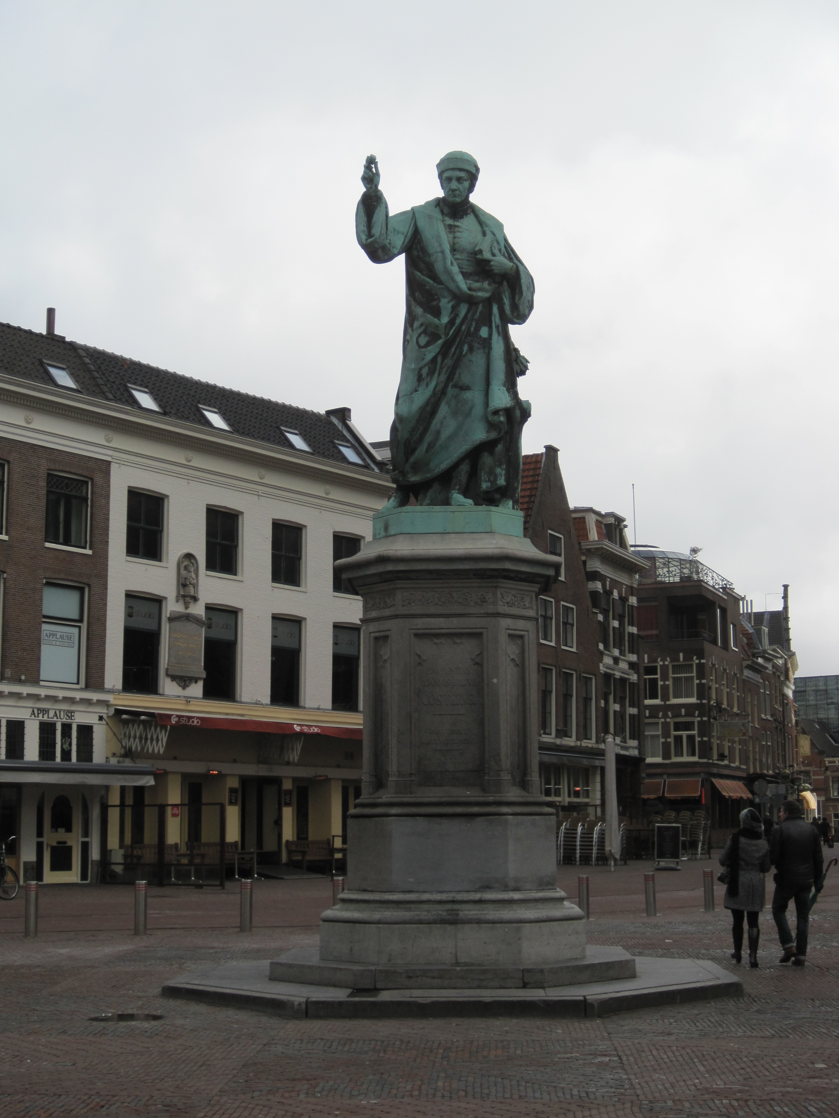 File Laurens Janszoon Coster Statue Haarlem The