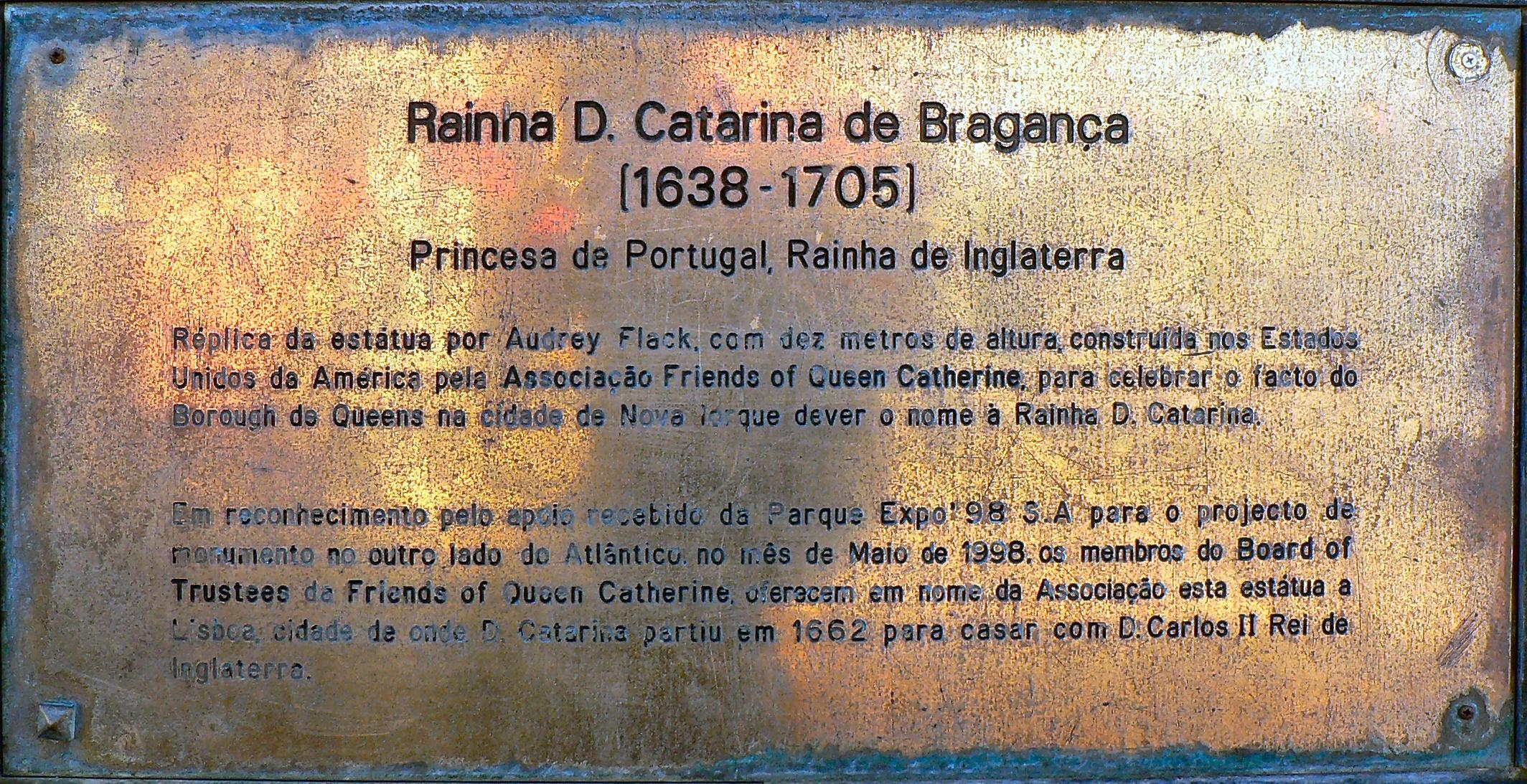 File:Legenda - Catarina de Bragança - Estátua na Parque Expo jpg