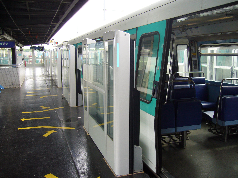 File m tro de paris ligne 13 chatillon montrouge for Porte montrouge