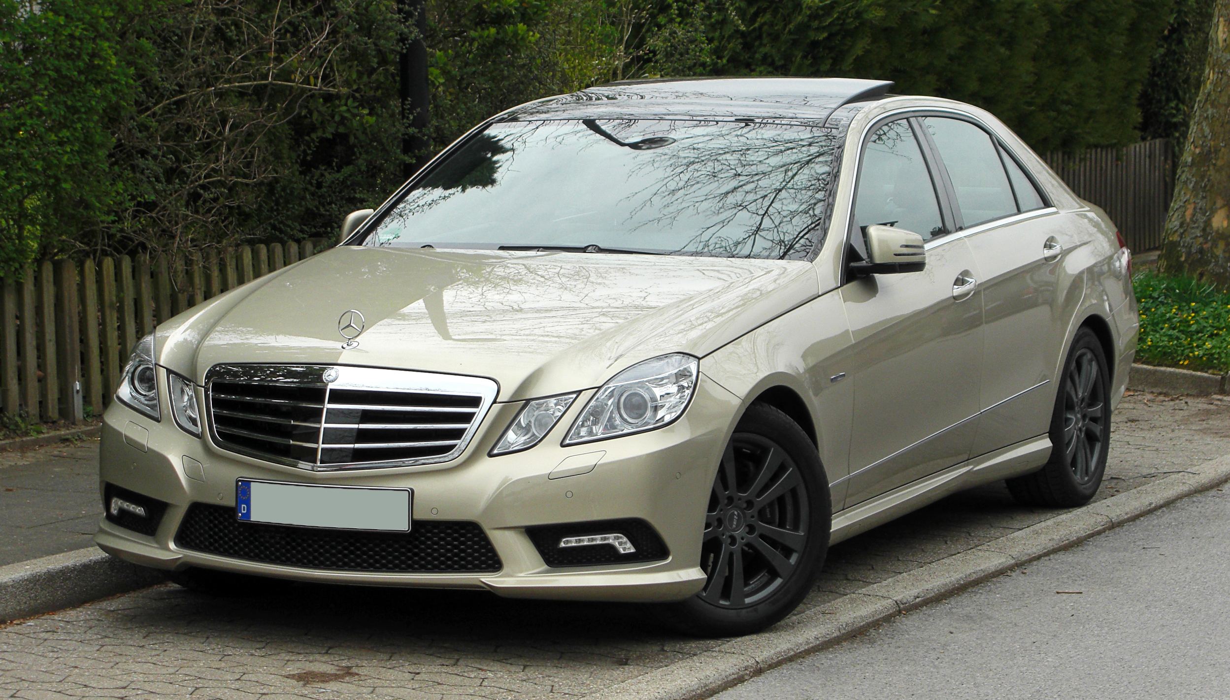 File mercedes benz e 350 cdi blueefficiency avantgarde for Mercedes benz e350 2011