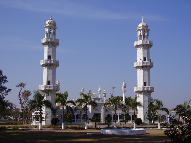 Mosque in Jhelum Cantonment Pakistan.jpg
