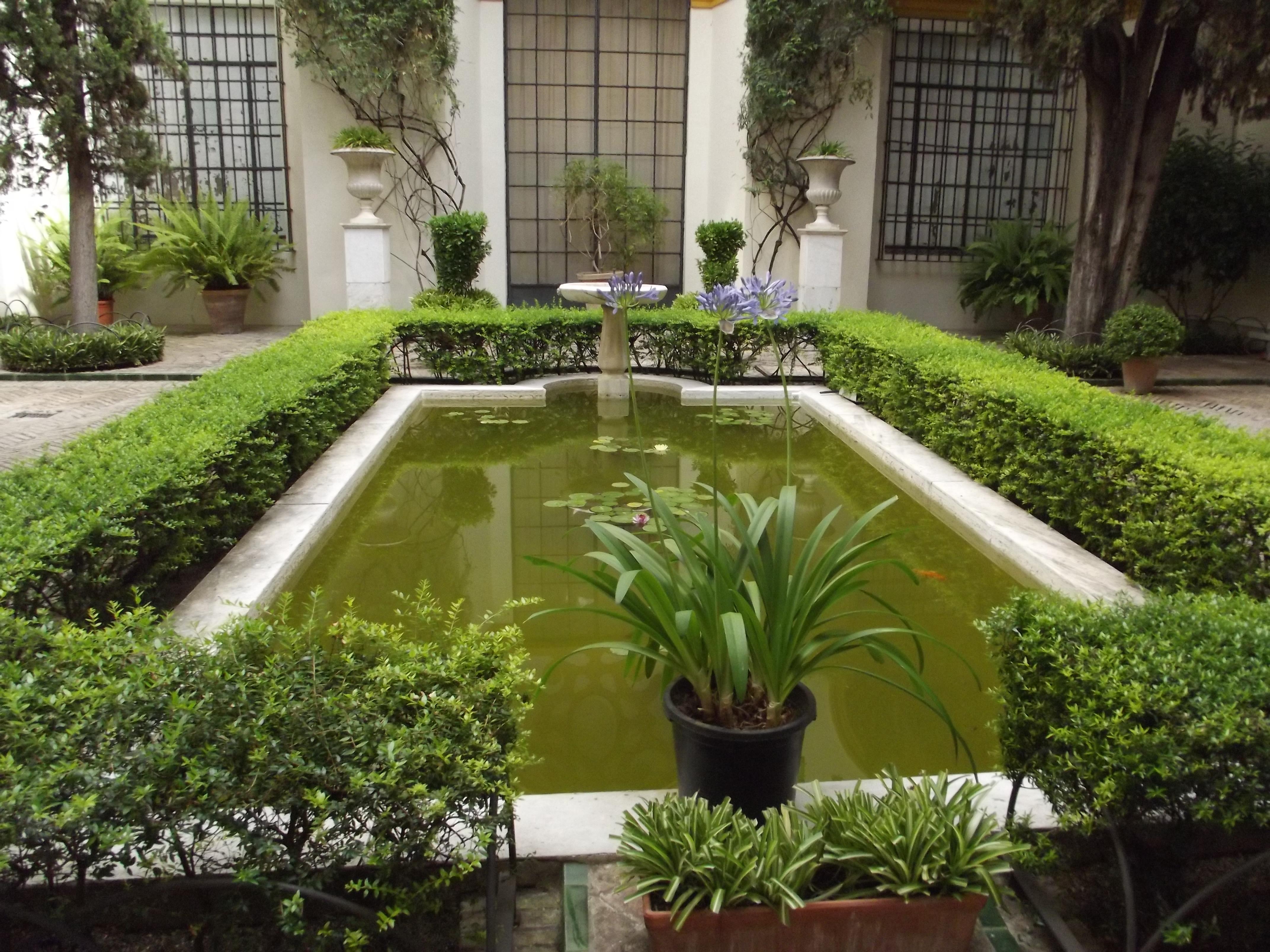 Courtyard garden enlarge garden room garden x interior for Courtyard landscape oostburg wi
