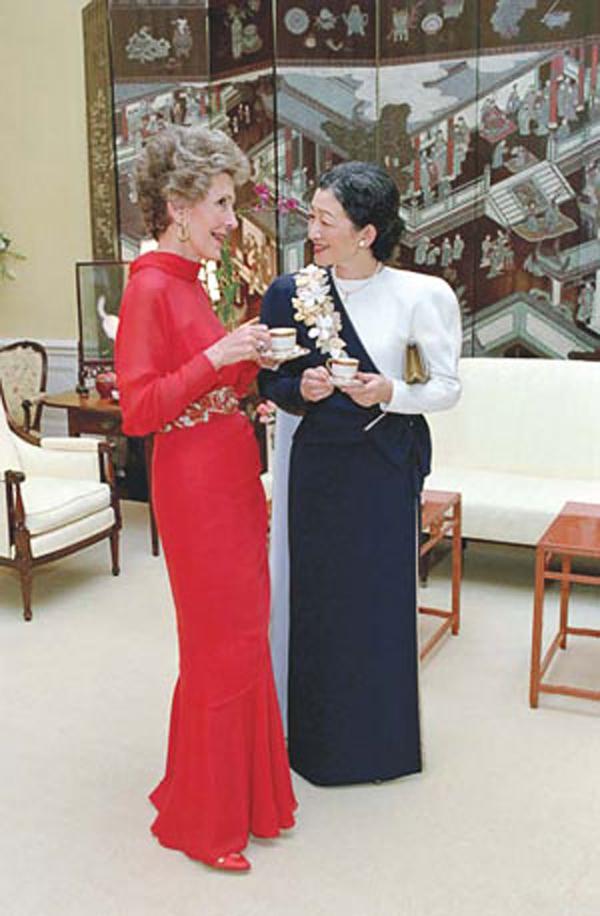 Nancy_Reagan_in_red_with_Princess_Michiko.jpg
