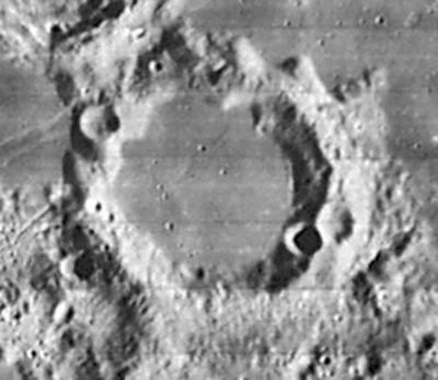 Снимок зонда Lunar Orbiter - IV.