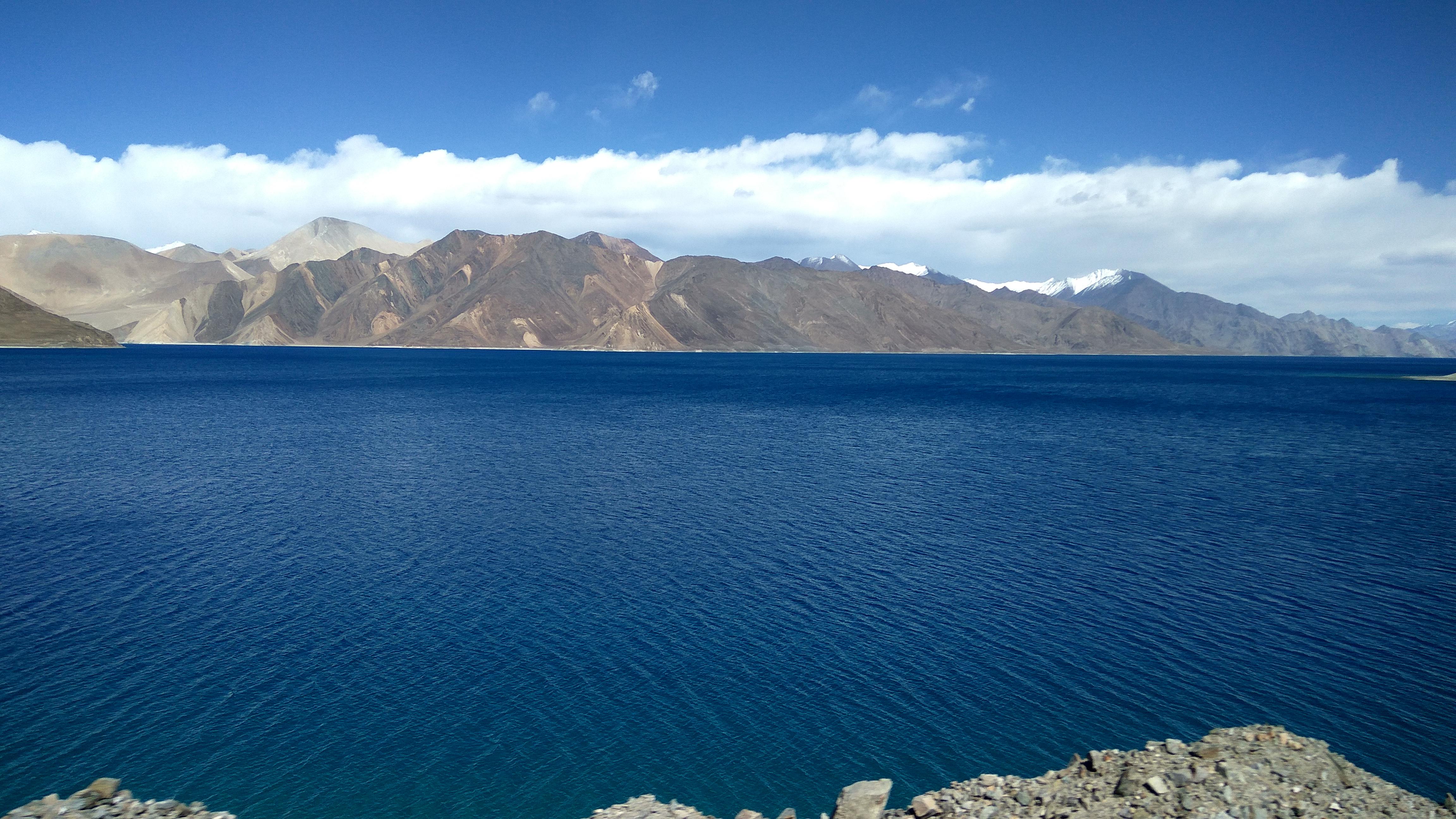 File:Pangong Tso Lake, Ladakh, India.jpg - Wikimedia Commons