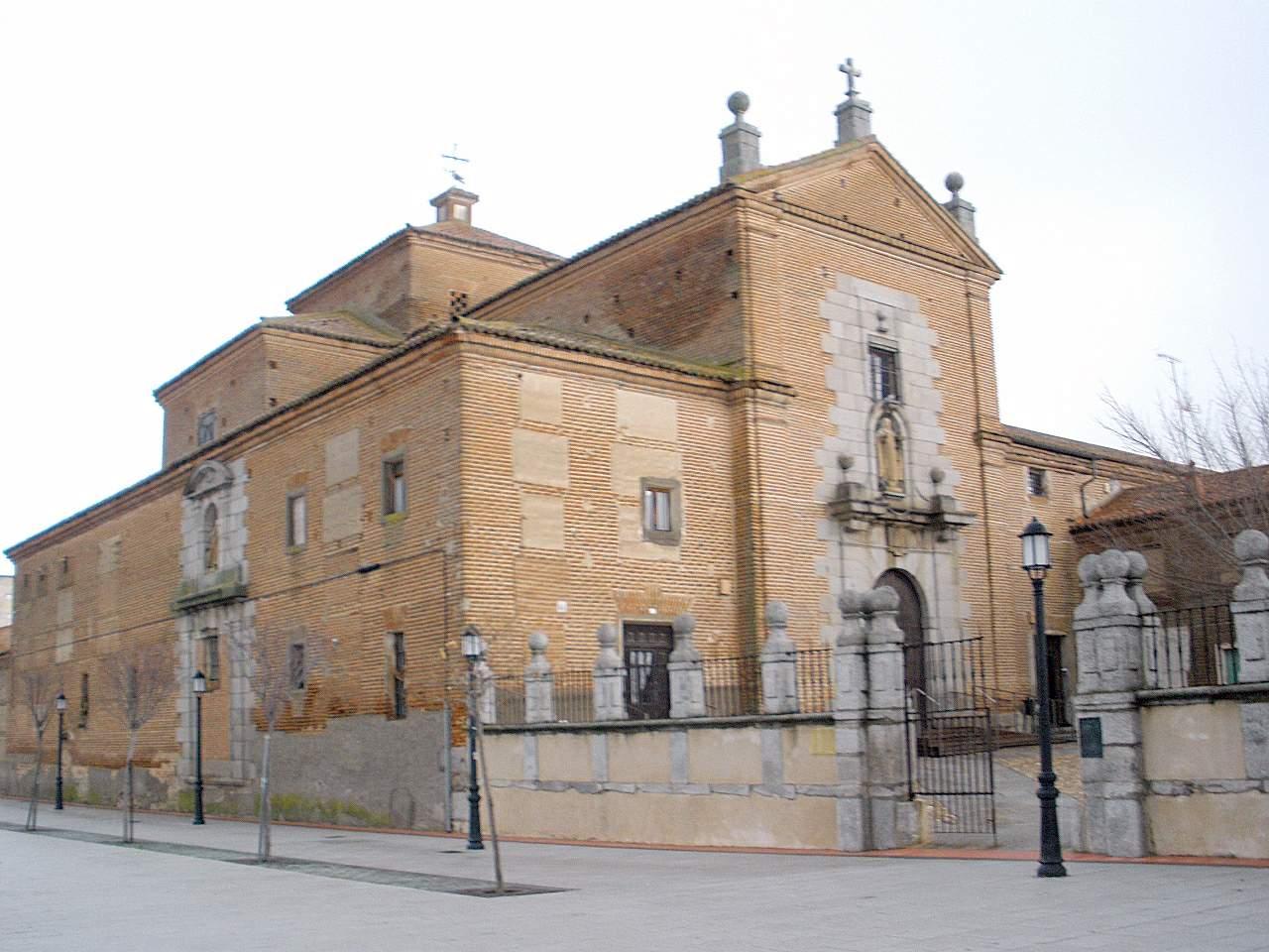 File:Peñaranda de Bracamonte - Convento de las Carmelitas ...