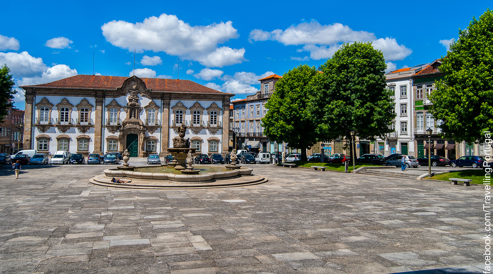 File:Praça do Municipio Braga.jpg