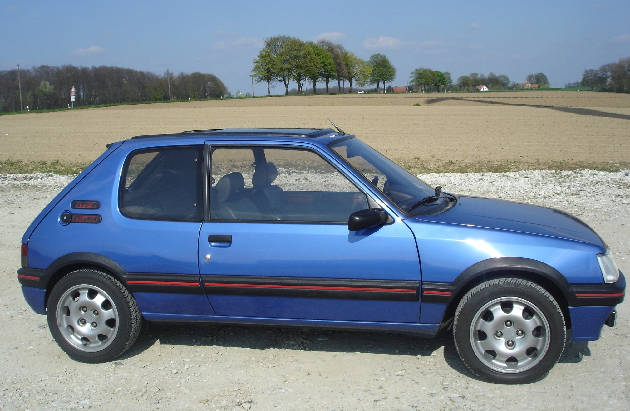 Peugeot 205 wikiwand for Housse 205 gti