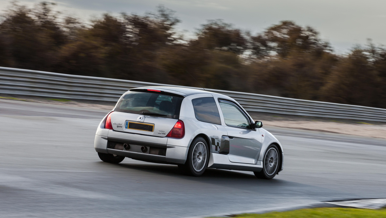 File Renault Sport Clio 3 0 V6 Circuit Val De Vienne 15 11