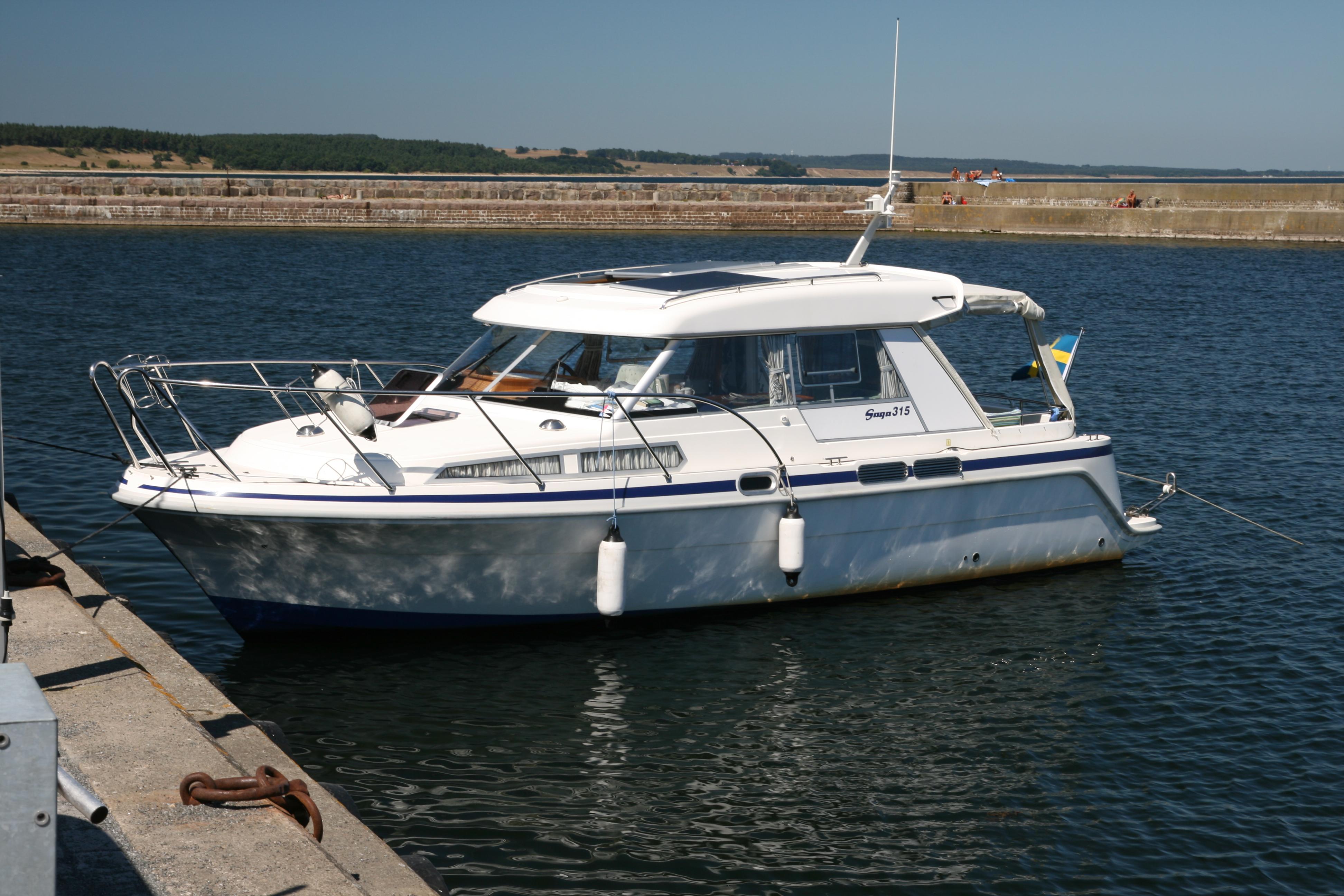 File Saga 315 Motorboat Wikimedia Commons