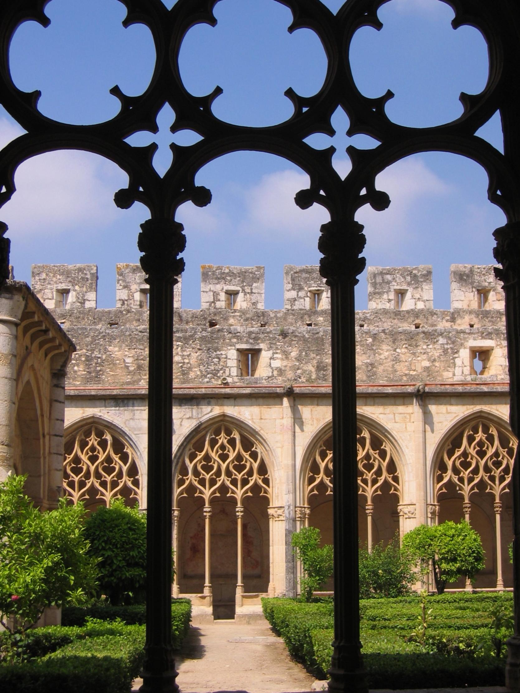 Klooster van Santa María de Santes Creus (Reial Monestir de Santa Maria de Santes Creus). Zicht op de mooi cloistro of kloostergang