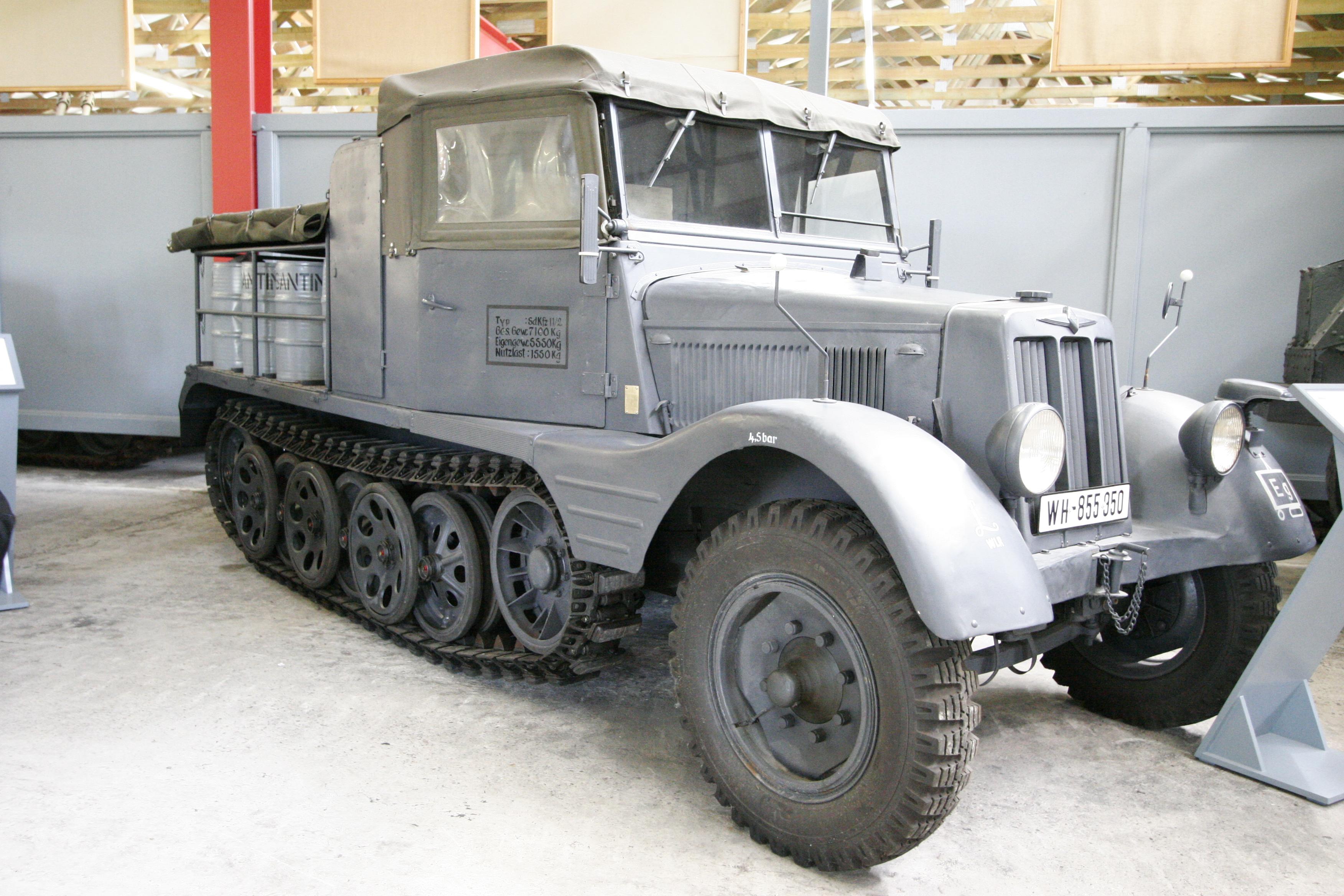 результате такого немецкий военный трактор фото хотим предложить
