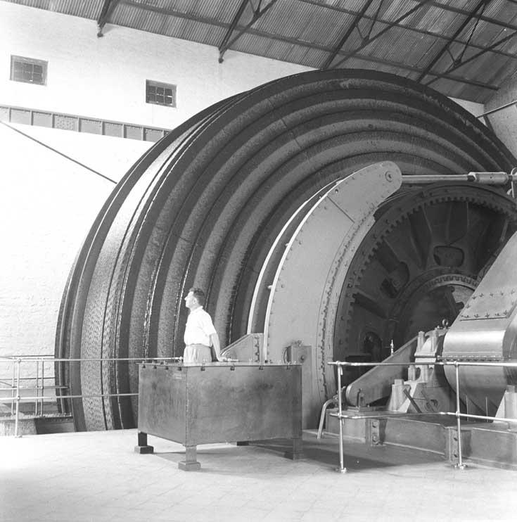 File:The winding engine at the Champion Reef Mine, Kolar