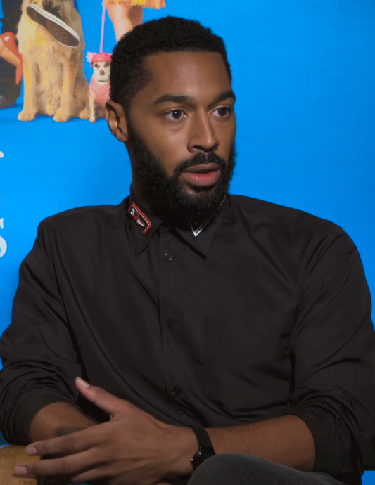 The 38-year old son of father (?) and mother(?) Tone Bell in 2018 photo. Tone Bell earned a  million dollar salary - leaving the net worth at 2 million in 2018